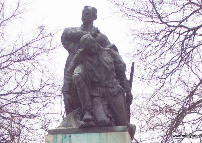 Törökszentmiklós I. vh emlékmű 2009.03.16. küldő-miki (1)