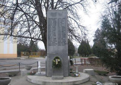 Törtel II.vh emlékmű 2010.01.02. küldő-kalyhas (2)