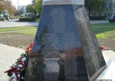 Túrkeve II.vh emlékmű 2009.10.25. küldő-Zebi (3)