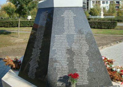 Túrkeve II.vh emlékmű 2009.10.25. küldő-Zebi (5)