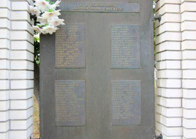 Tab II. világháborús emlékmű 2013.08.23. küldő-kalyhas (3)