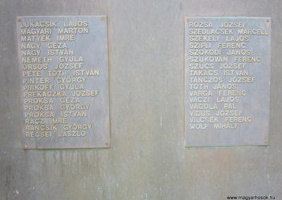 Tab II. világháborús emlékmű 2013.08.23. küldő-kalyhas (6)