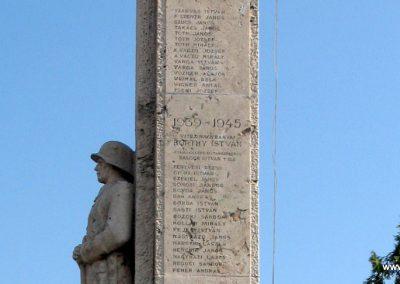 Tahitótfalu világháborús emlékmű 2007.09.15. küldő-Kályhás (10)