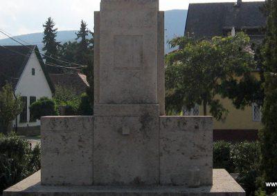 Tahitótfalu világháborús emlékmű 2007.09.15. küldő-Kályhás (4)