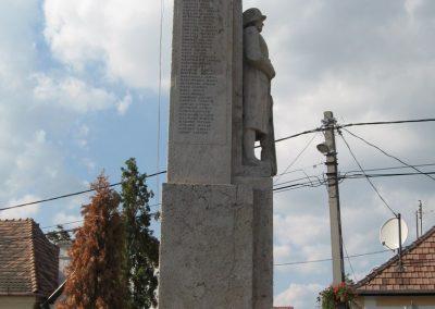 Tahitótfalu világháborús emlékmű 2007.09.15. küldő-Kályhás (5)