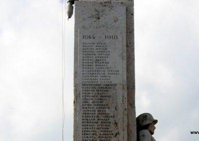 Tahitótfalu világháborús emlékmű 2007.09.15. küldő-Kályhás (6)