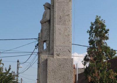 Tahitótfalu világháborús emlékmű 2007.09.15. küldő-Kályhás (9)