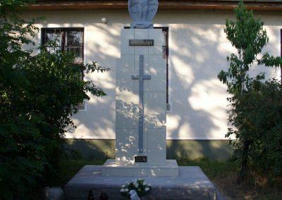 Tajó világháborús emlékmű 2008.08.14. -felújitás után-küldő- Hunmi