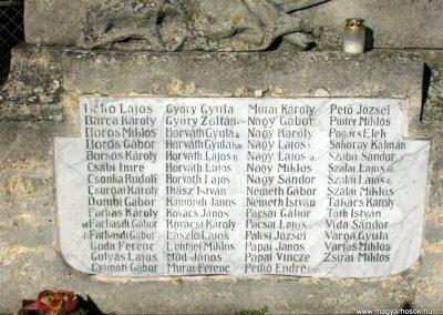 Takácsi világháborús emlékmű 2006.10.26. Küldő-Hege (3)