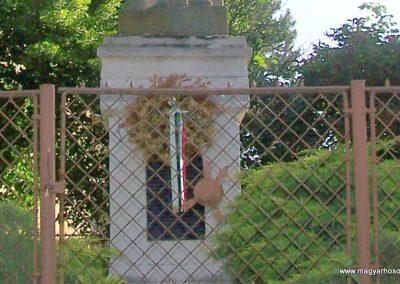 Taksony I.vh emlékmű 2008.05.27. küldő-Szabados László (2)