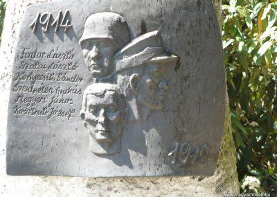 Taktabáj világháborús emlékmű 2009.05.08.küldő-Gombóc Arthur (1)
