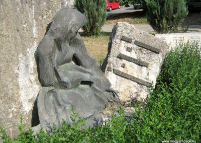 Tamási II. világháborús emlékmű 2010.07.18. küldő-Emese