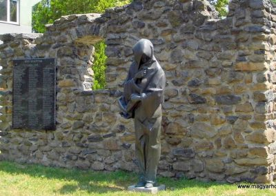 Tapolca II. világháborús emlékmű 2013.07.05. küldő-Méri (6)