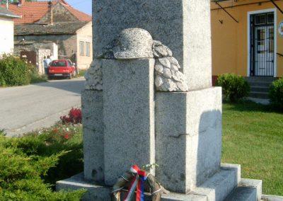 Tapolcafő I.vh emlékmű 2009.09.22. küldő-kiev (2)