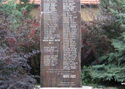 Tard világháborús emlékmű 2007.08.12. küldő-Kályhás (3)