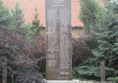 Tard világháborús emlékmű 2007.08.12.küldő-Kályhás (1)