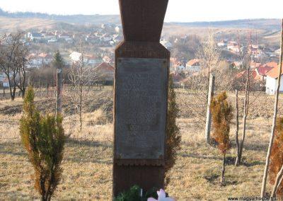 Tardona világháborús kopjafák 2008.02.18.küldő-Kályhás (1)