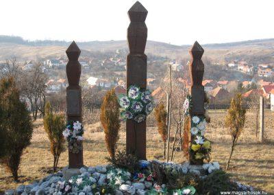 Tardona világháborús kopjafák 2008.02.18.küldő-Kályhás