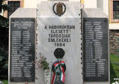 Tardos világháborús emlékmű 2008.07.03. külő-Kályhás (3)