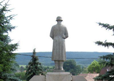 Tardos világháborús emlékmű 2008.07.03. külő-Kályhás (5)