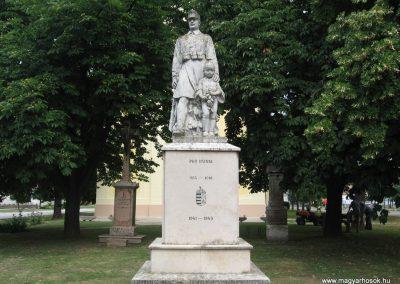 Tarján világháborús emlékmű 2008.07.02. küldő-Kályhás (1)