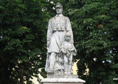 Tarján világháborús emlékmű 2008.07.02. küldő-Kályhás (2)