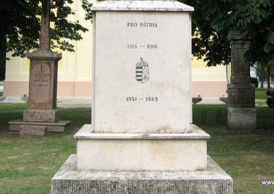 Tarján világháborús emlékmű 2008.07.02. küldő-Kályhás (3)
