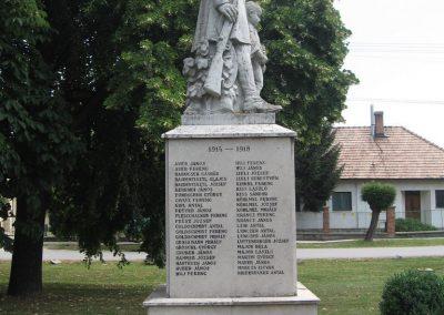 Tarján világháborús emlékmű 2008.07.02. küldő-Kályhás (4)