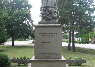Tarján világháborús emlékmű 2008.07.02. küldő-Kályhás (7)