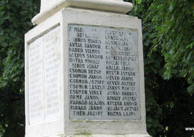 Tarnaörs világháborús emlékmű 2008.07.15. küldő-kalyhas (3)