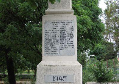 Tarnaörs világháborús emlékmű 2008.07.15. küldő-kalyhas (5)