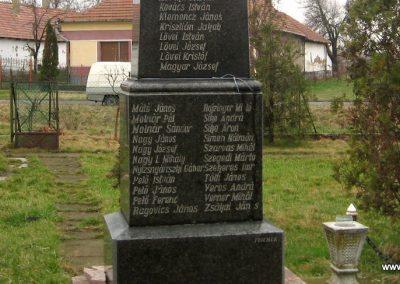 Tarnabod világháborús emlékmű 2008.03.08. küldő-kalyhas (3)