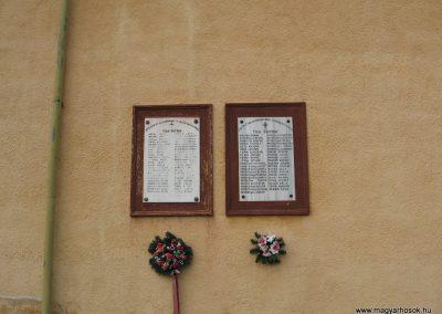 Tarnalelesz világháborús emlékek 2008.04.22.küldő-Kályhás (1)