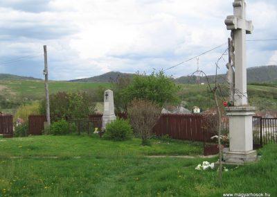 Tarnalelesz világháborús emlékek 2008.04.22.küldő-Kályhás (4)