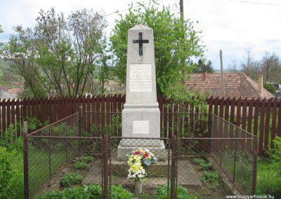 Tarnalelesz világháborús emlékek 2008.04.22.küldő-Kályhás (5)