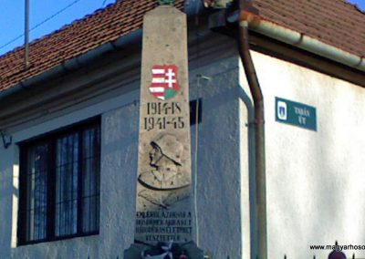 Tarnaszentmária vh emlékmű 2006.11.15. küldő-kalyhas 1