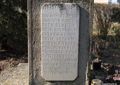 Tarnaszentmiklós világháborús emlékmű 2008.02.25.küldő-Kályhás (5)