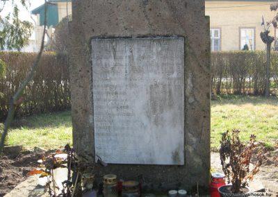 Tarnaszentmiklós világháborús emlékmű 2008.02.25.küldő-Kályhás (6)