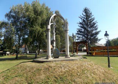 Tarpa II. világháborús emlékmű 2016.09.27. küldő-kalyhas (11)