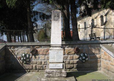 Taszár világháborús emlékmű 2009.04.04. küldő-kalyhas (1)
