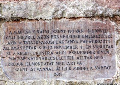 Tata II. világháborús emlékoszlop 2014.11.02. küldő-Méri (2)