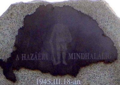 Tata Környei úti temető II. világháborús emlék 2014.12.21. küldő-Méri (2)