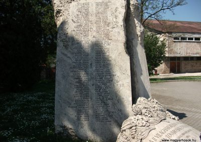 Tata-Tóváros II. világháborús emlékmű 2010.04.30. küldő-miki (1)