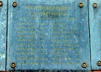 Tata- Tóváros Vaszary J. általános iskola I. világháborús emléktáblák 2012.11.01. küldő-Méri (5)
