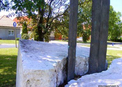 Tatabánya-Bánhida II. világháborús emlékmű 2013.05.21. küldő-Méri (1)