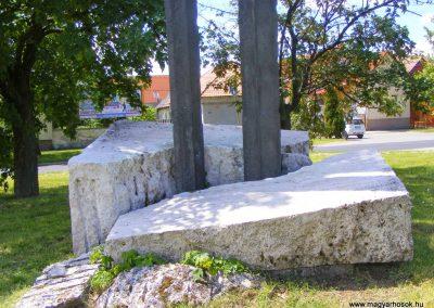 Tatabánya-Bánhida II. világháborús emlékmű 2013.05.21. küldő-Méri