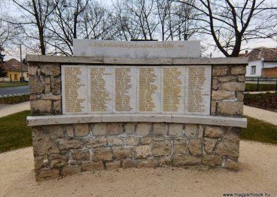 Tatabánya-Bánhida II. világháborús emlékmű 2013.05.21. küldő-Méri (5)