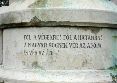 Tatabánya világháborús emlékmű 2008.10.04.küldő-Huszár Peti (2)
