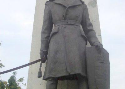 Tatabánya világháborús emlékmű 2008.10.04.küldő-Huszár Peti (3)