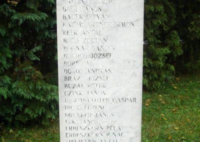 Tatabánya világháborús emlékmű 2008.10.04.küldő-Huszár Peti (7)